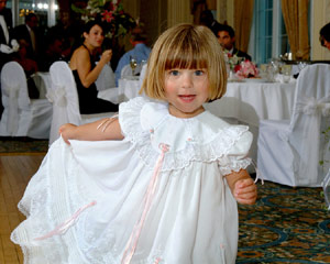 Little girl at wedding reception - Flip-it! double-lighting example
