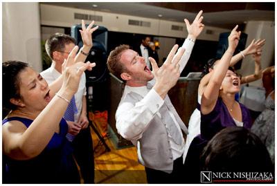 Wedding reception dancing - Flip-it! double-lighting gallery example