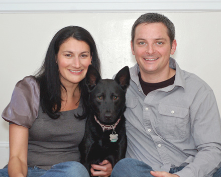 Pop-up Flip-it! Gallery: Couple with dog